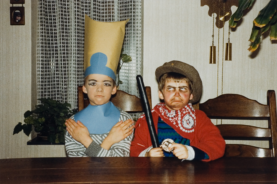 http://www.hansboddeke.nl/files/gimgs/4_hier-ben-ik-dan---boef.jpg